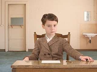 超现实的复古主义儿童肖像