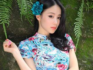 旗袍美女户外清凉写真
