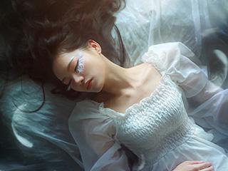《光之羽》创意唯美人像摄影作品