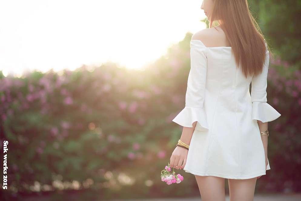 花的女儿绚丽盛放姿态伊人