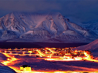 领略冰封的绝美之境 冰岛