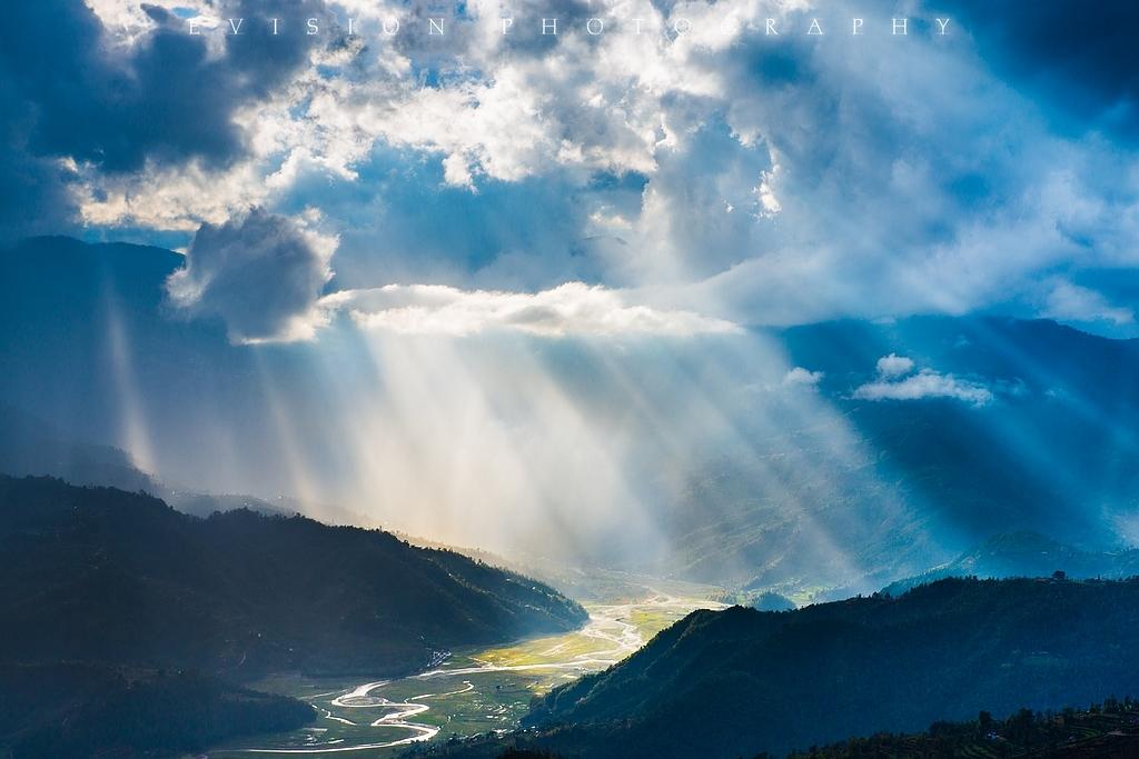 在尼泊尔的萨冉科特看日出日落