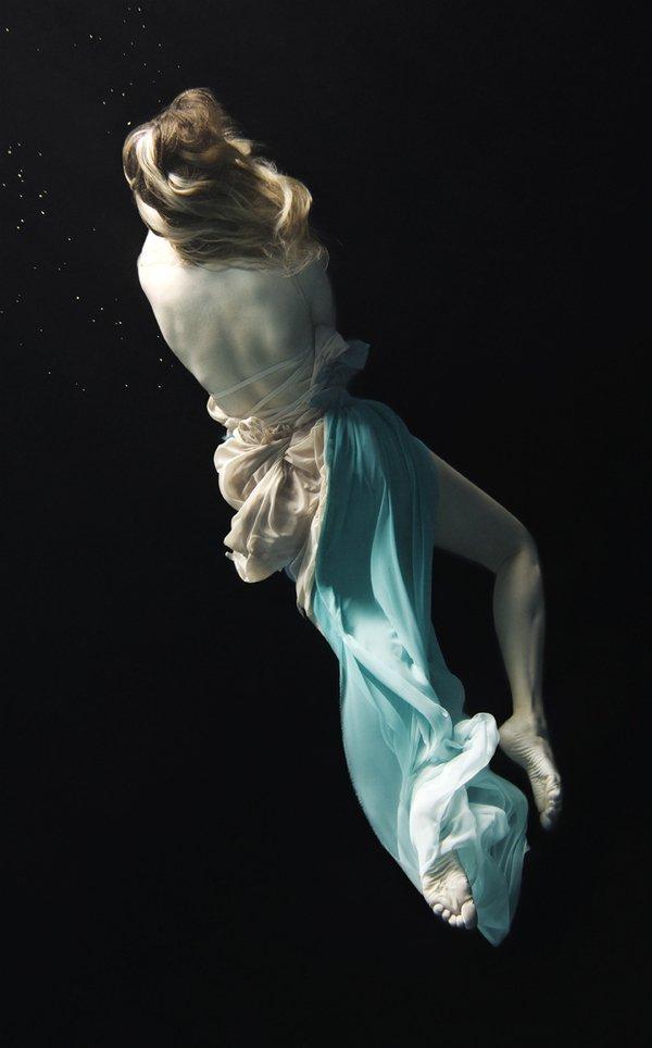 优雅舒缓的水下芭蕾