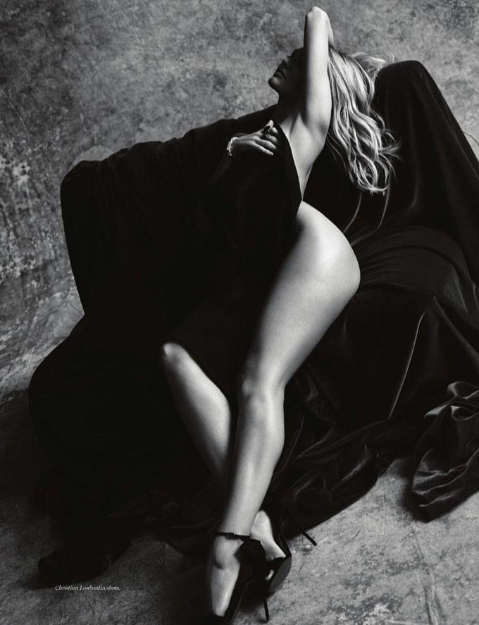 维密天使与好莱坞摄影师联手打造黑白大片