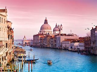 游走于水上城市威尼斯