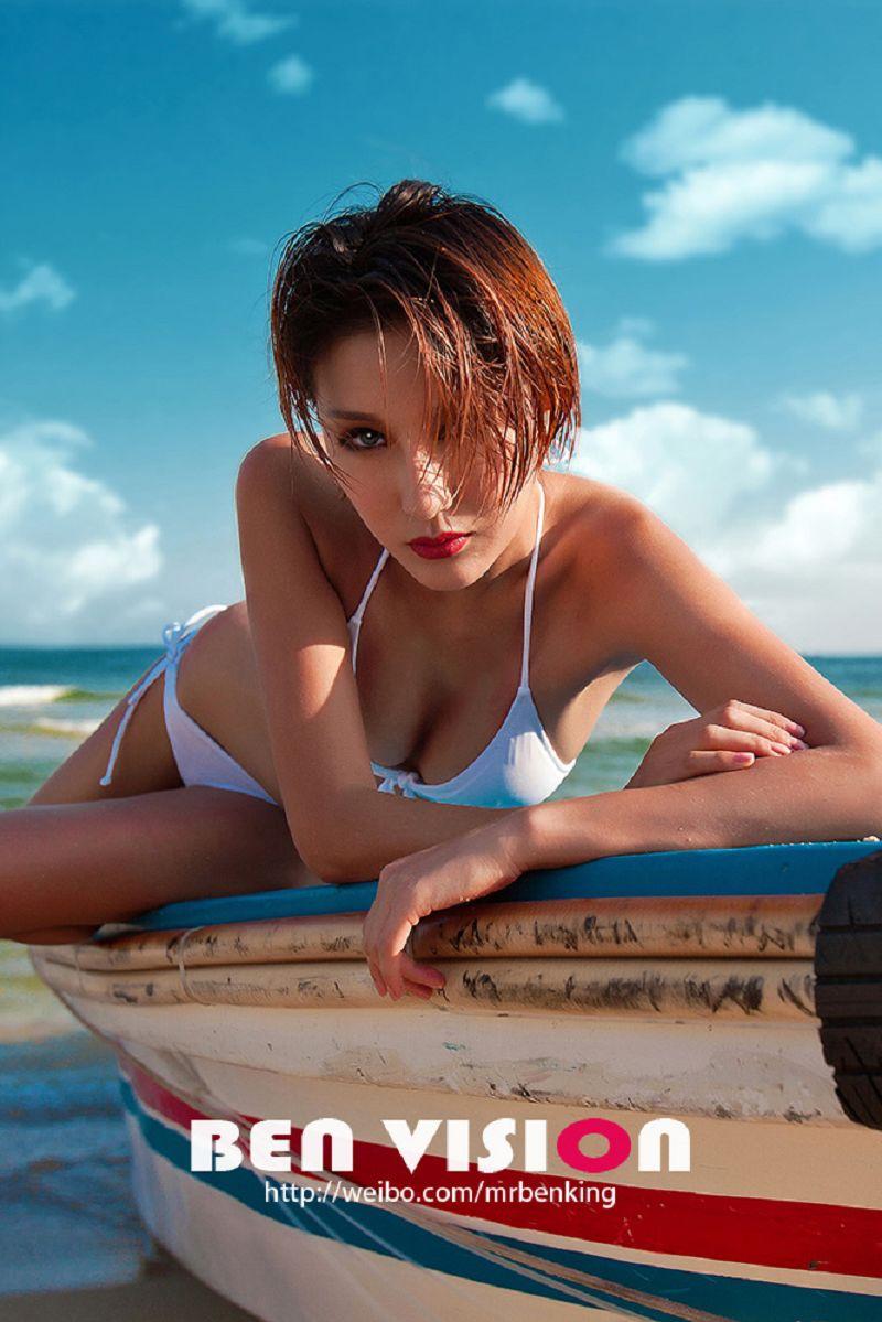 夏日倾情《比基尼性感美女大片》摄影作品