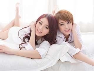 twins双胞胎姐妹