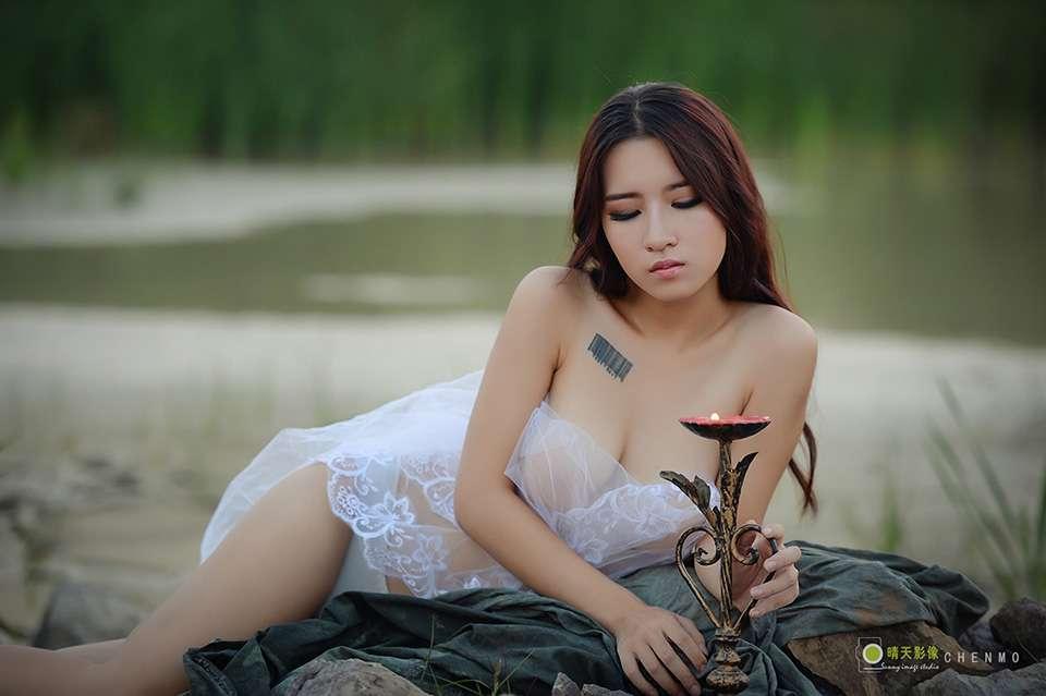 人体艺术写真相思湖畔