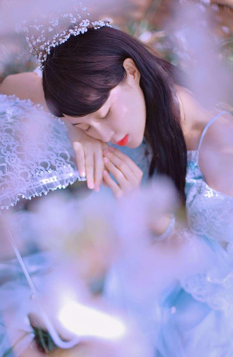 23岁清纯美少女写真照片