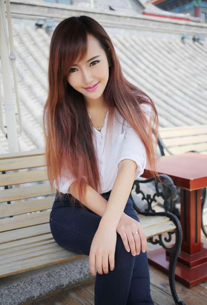 优星馆赵婉妮甜美笑容令人着迷