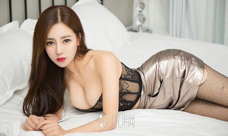 吴美溪罗曼蒂克的吻性感火辣身材私房照片