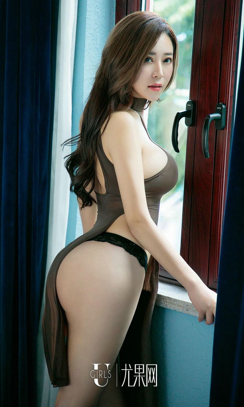 模特小雪人间胸器性感美女写真图片