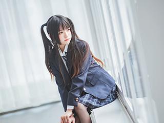 桜桃喵COSPLAY冬季学生制服丝秀美女图片[45P]