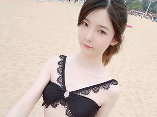 一小央泽夏日海滩黑丝泳衣人像摄影[15P]
