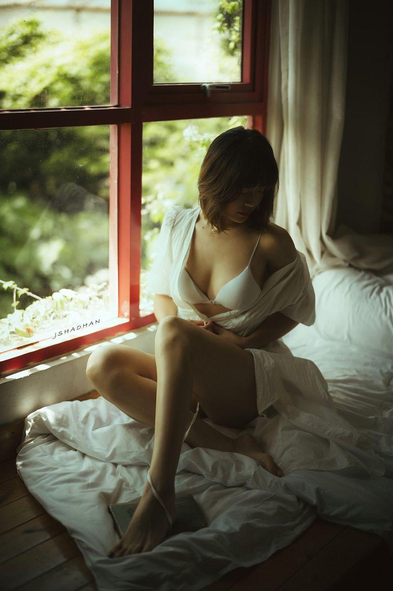 私人人像摄影《窗边的弯弯》