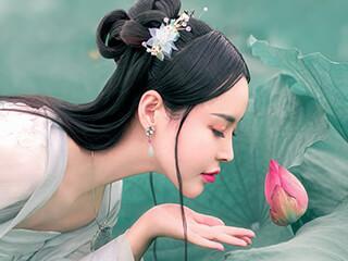古装摄影《荷花仙子》美女图片人像摄影