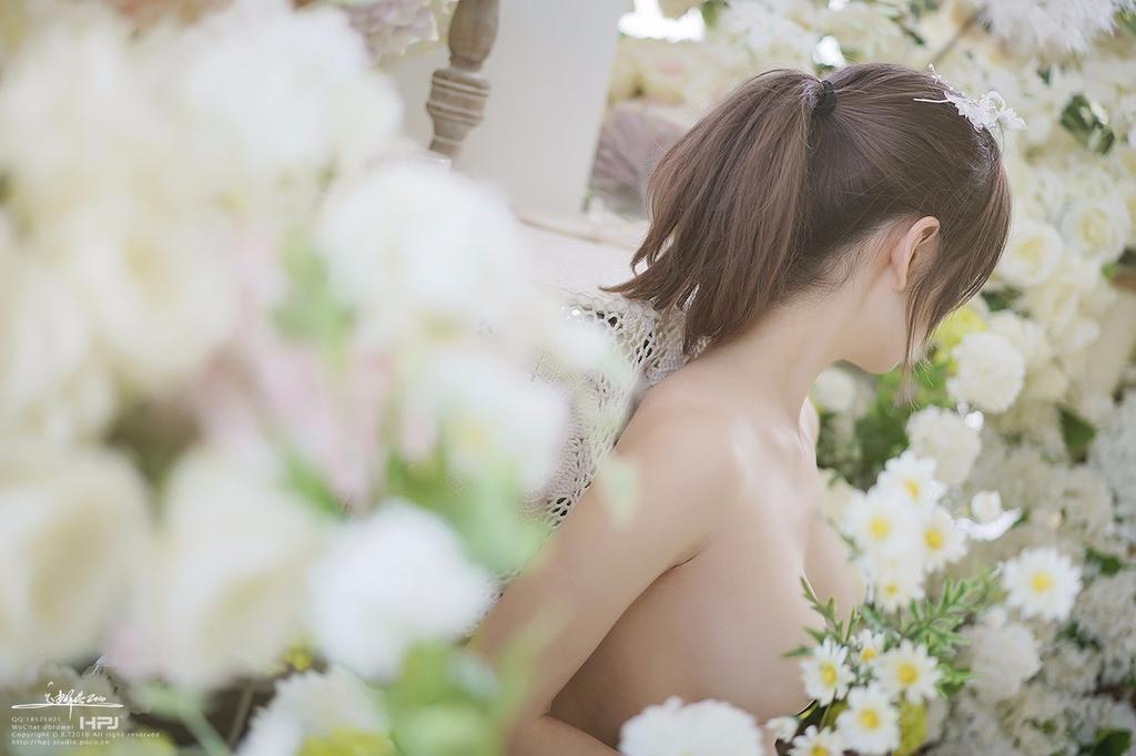 《花房中的姑娘》性感唯美人体艺术吧
