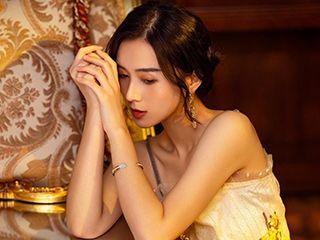 美女李炫霖高贵华丽琉璃万顷摄影图