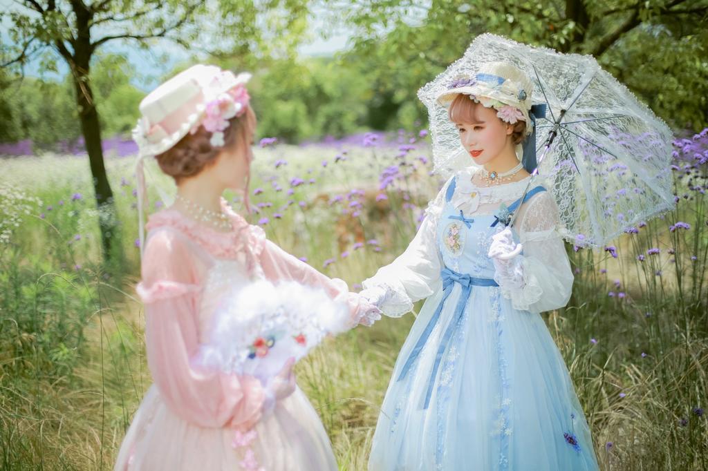 《莫尼卡的花园》姐妹花摄影写真