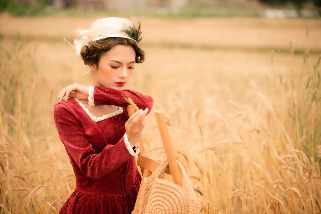 《走在乡间小路上》麦田拍摄作品欣赏