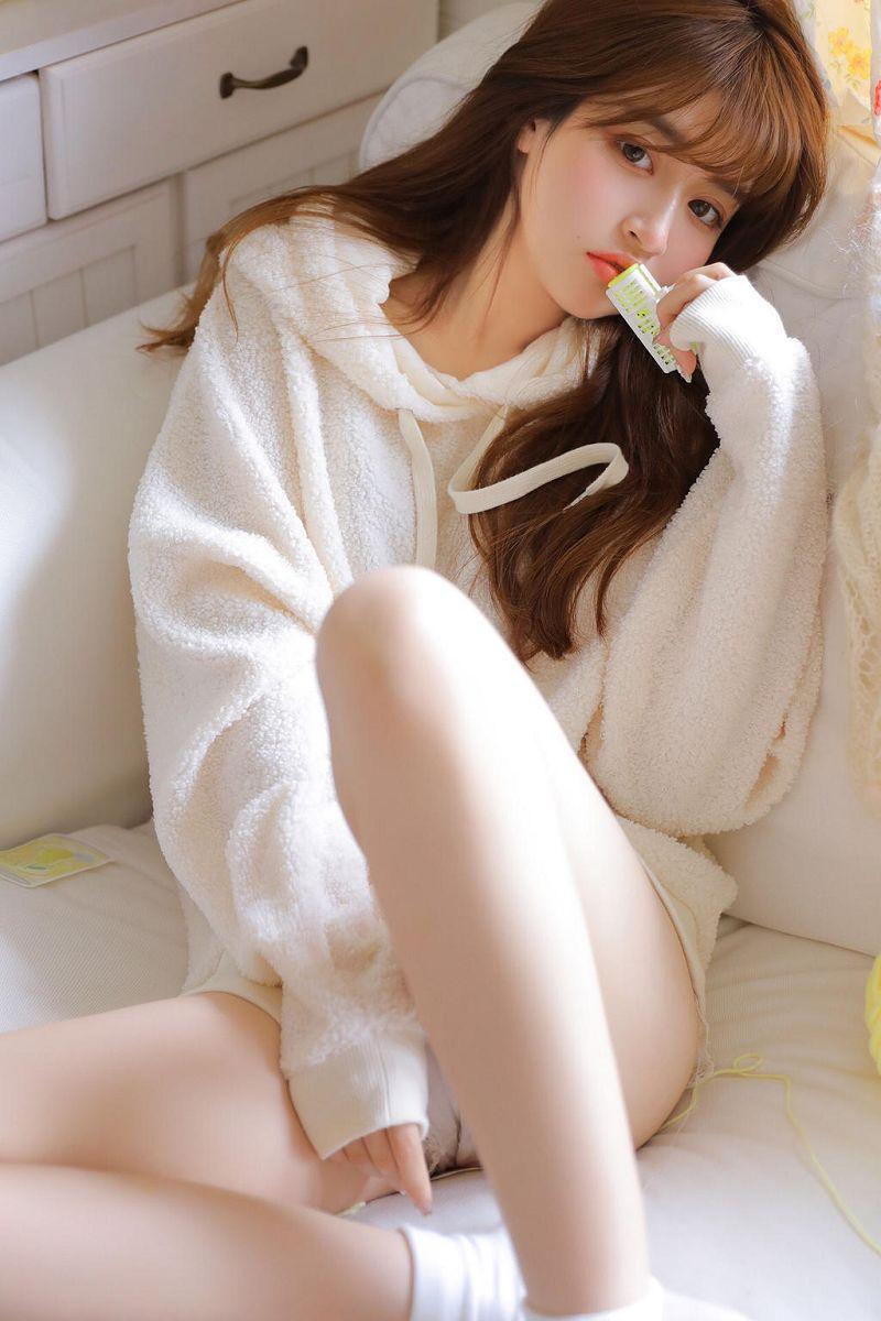 十六岁青春少女清纯小女友甜美可爱