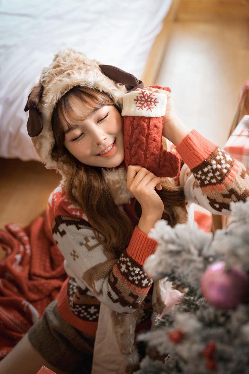 圣诞节的甜蜜少女图片写真
