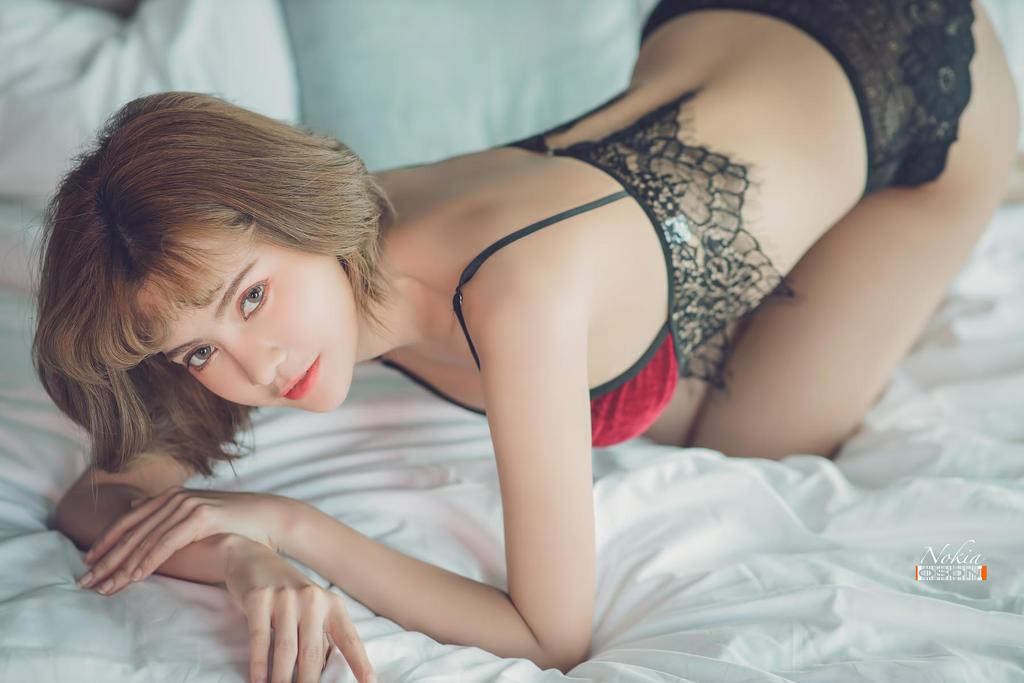HongKong香港机车女孩多套性感情趣内衣摄影图片