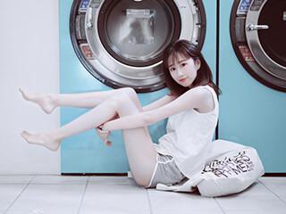 《夏有三木》洗衣店内人像摄影写真