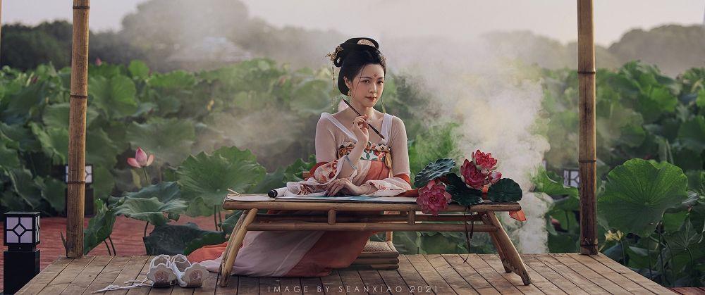 中国风《荷娘》古装少女写真欣赏
