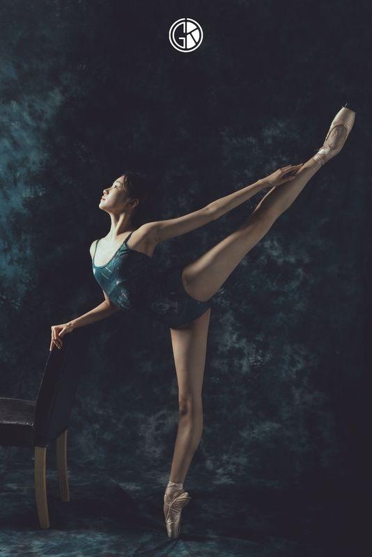 《孔雀引》室内人像舞蹈舞姿拍摄
