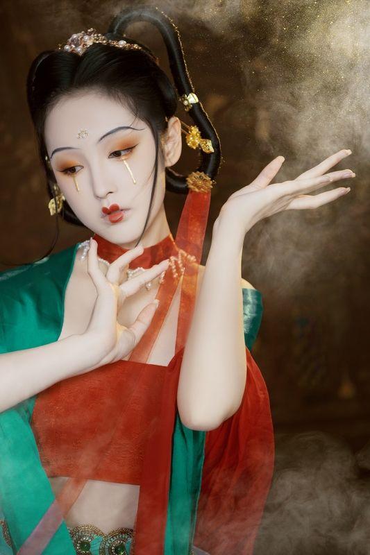 《梦回敦煌》飞天仙女中国风摄影写真