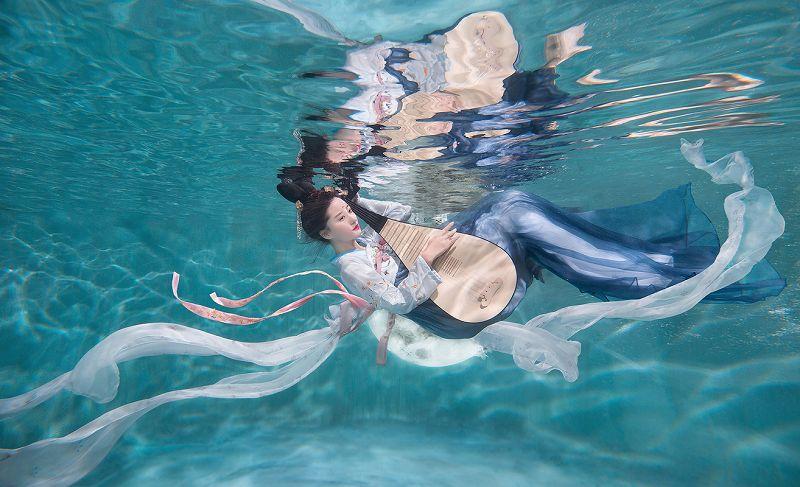 水下摄影唯美嫦娥作品欣赏