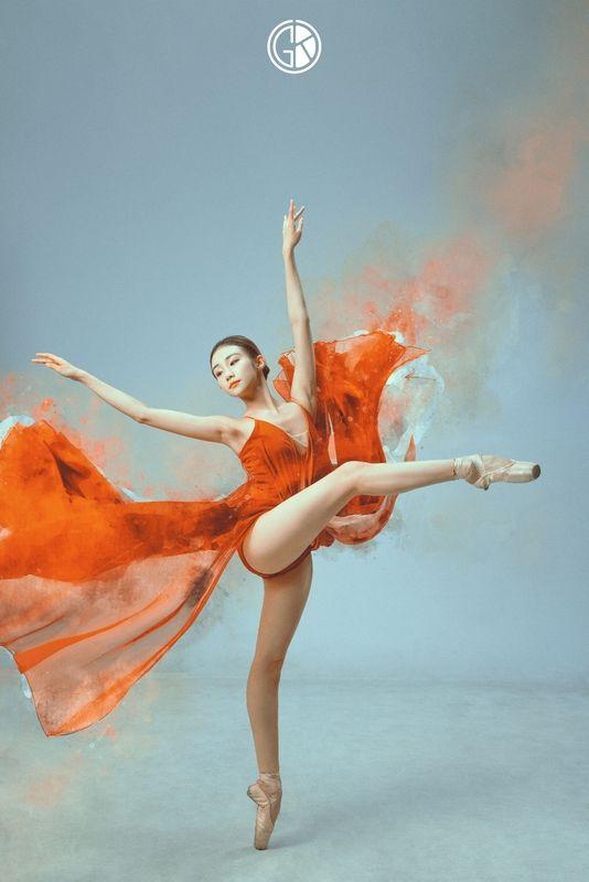 《朱砂》现代舞蹈舞姿摄影作品欣赏