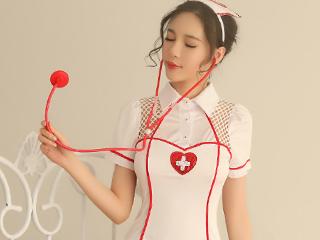 角色扮演爱心性感护士私房美女写真图片