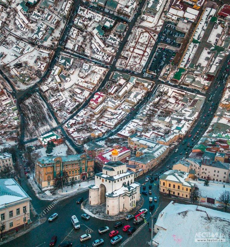 Lestnica扭曲城市摄影