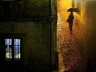 在雨中:Christophe Jacrot镜头下的雨中