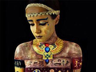 巴西女艺术家的人体艺术彩绘作品