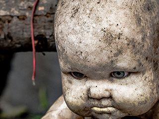 实拍墨西哥恐怖的娃娃森林