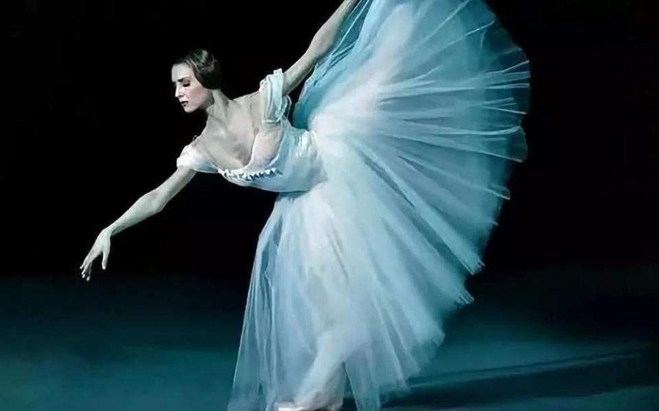 11名舞者的裸体舞蹈带<a href='http://www.chinaart8.com/syzt/rxsy/rtys/index1.html' target='_blank'><u>人体艺术</u></a>的新境界